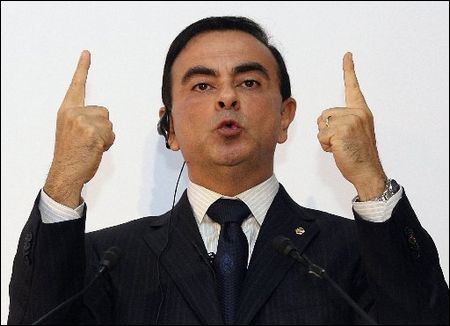 Carlos-Ghosn-Two-Fingers